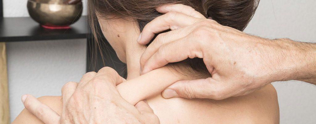 Massagem para dor cervical